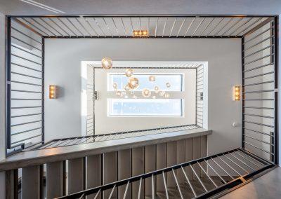 Herenhuis 010 - JURY 01 - entreehal trappen verlichtingsarmatuur interieur