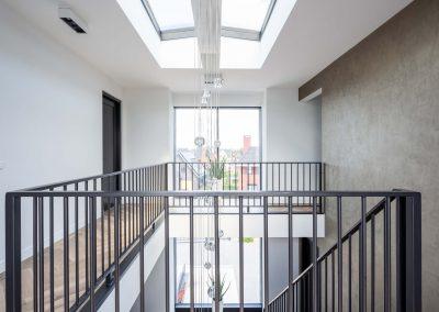 Herenhuis 010 - JURY 03 - entreehal trappen verlichtingsarmatuur interieur